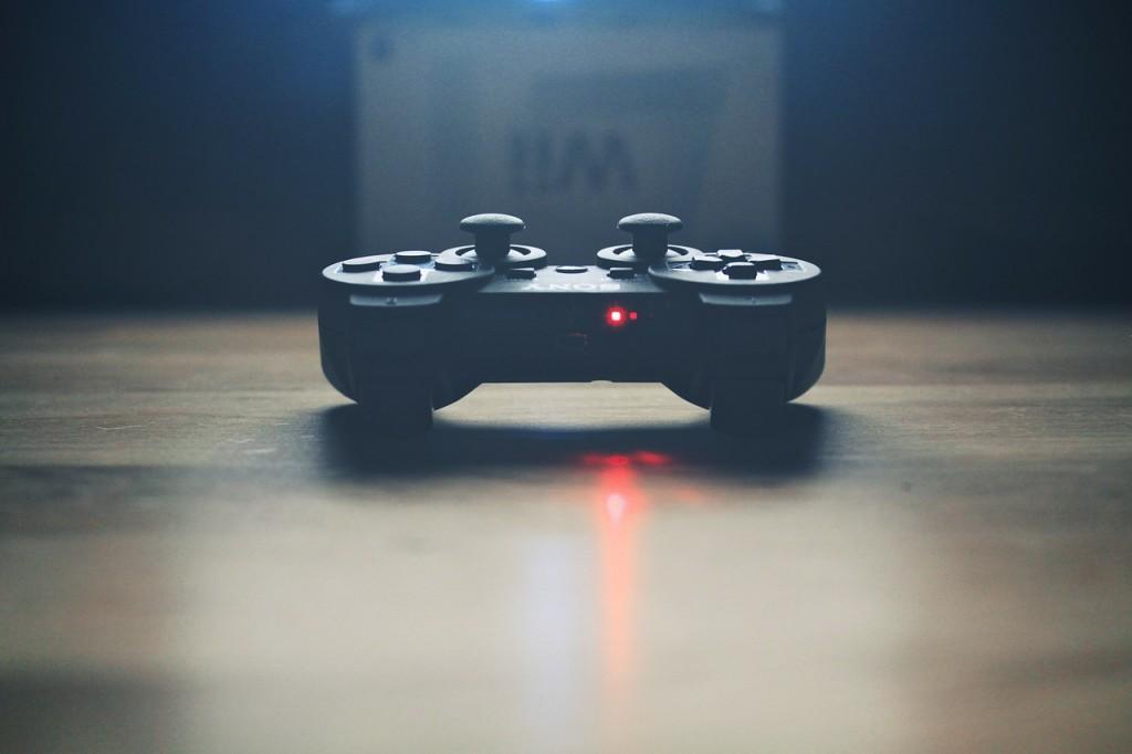 video-controller-336657_1280