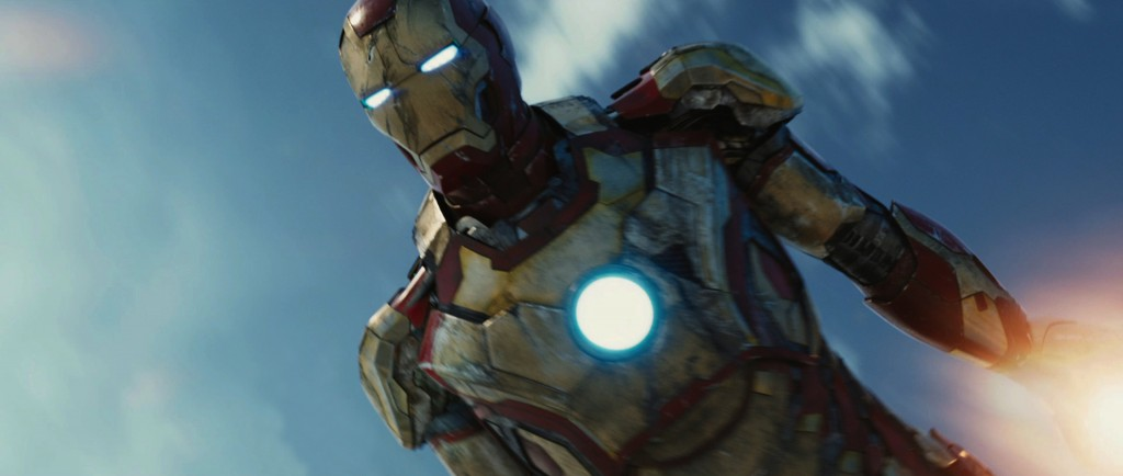Iron-Man-3-Super-Bowl-04