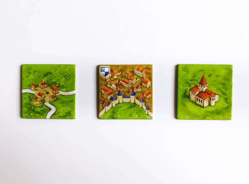 Three different features for meeple to place upon. Of course, you can also control fields.