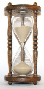 220px-Wooden_hourglass_3